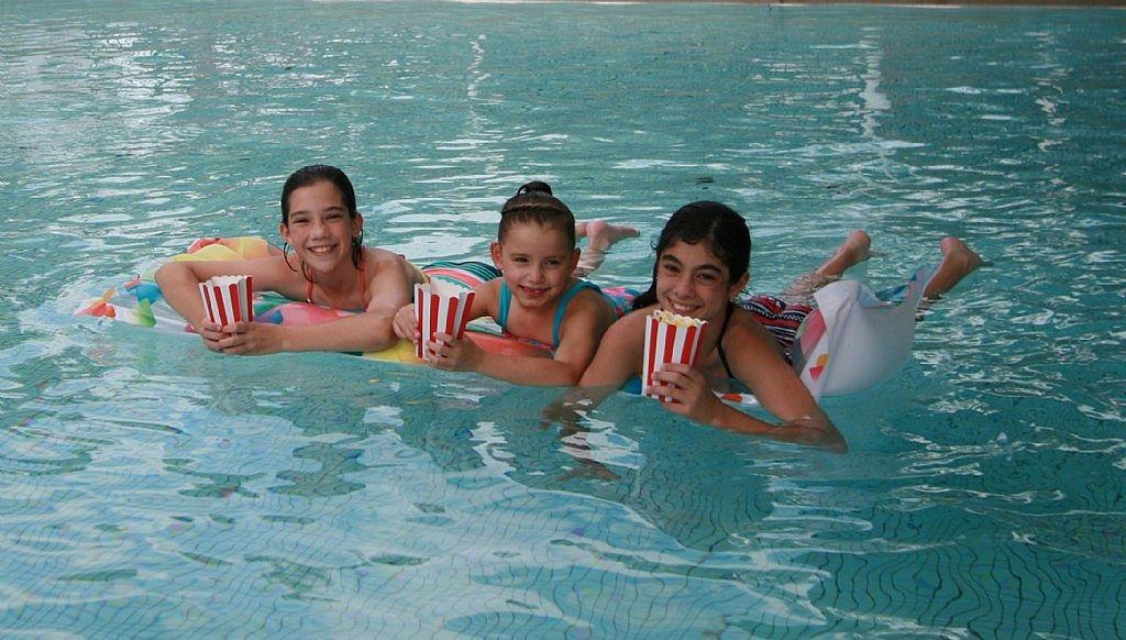 Dive in movies at mount druitt swimming centre blacktown australia - Dive in movie ...